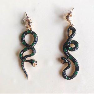 NEW Opposing Snake Earrings 🐍